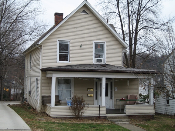 6 Bedroom House at 72 W State St | Student Housing In Athens